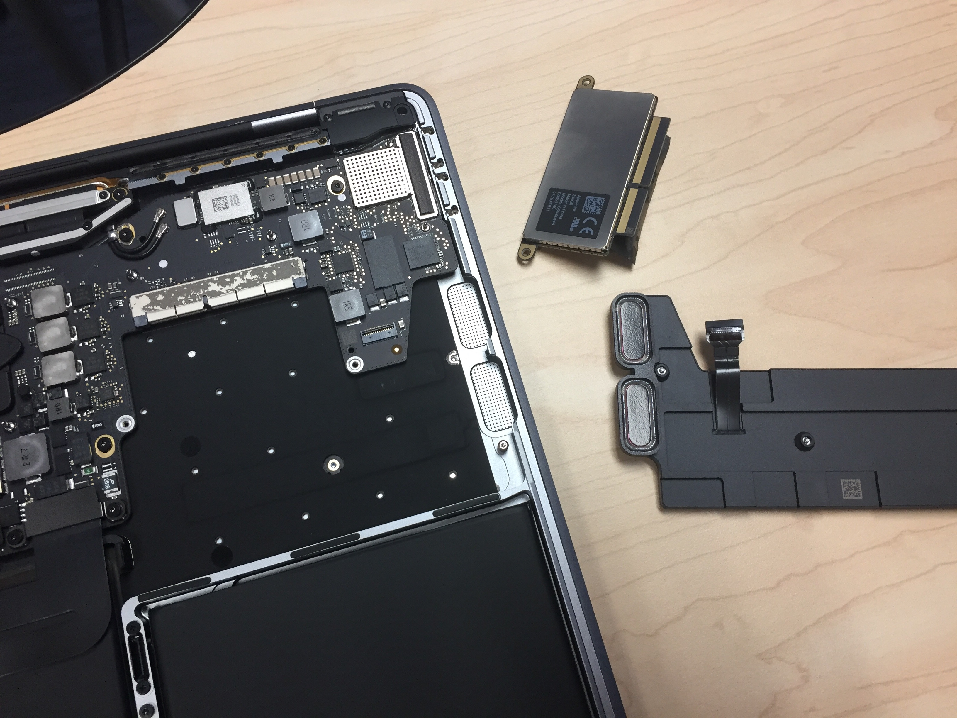 SSD In Late 2016 'Entry-Level' MacBook Pro Removable