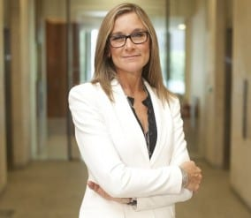 Burberrys-Angela-Ahrendts-640x558