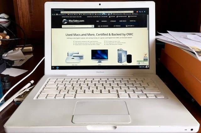 white macbook running chrome os