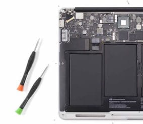 macbook-air-13-inch-battery-installed