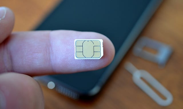 Nano-SIM. Image via TheTechReviewer.com