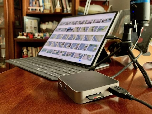 (OWC USB-C Travel Dock connected to 2018 12.9-inch iPad Pro)